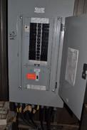 CUTLER HAMMER PANELBOARD 100A 120V/208Y 3PH 4W