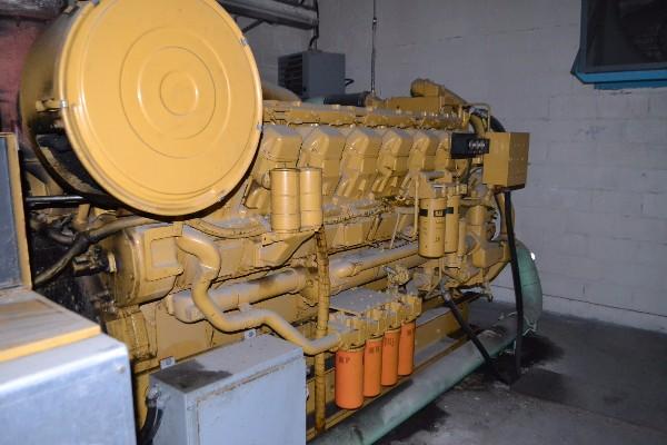 CATERPILLER 1560-4803661111 TYPE21684 1560KW GENERATOR + FAN W/ WESTINGHOUSE ROBONIC TRANSFER SWITCH