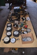 TABLE WITH CONTENTS - SPX HYDRAULIC HAND PUMP, GAS REGULATORS, PRESSURE GAUGES, LINCOLN ELECTRIC 250A ARC WELDER