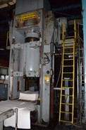 DOMINION ENGINEERING 1000TONS SERIAL# 176-131 HYDRAULIC PRESS