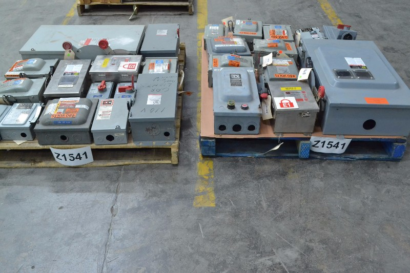 2 PALLETS OF ASSORTED DISCONNECT SWITCHES, SQUARE D, CUTLER HAMMER, SIEMENS, ITE