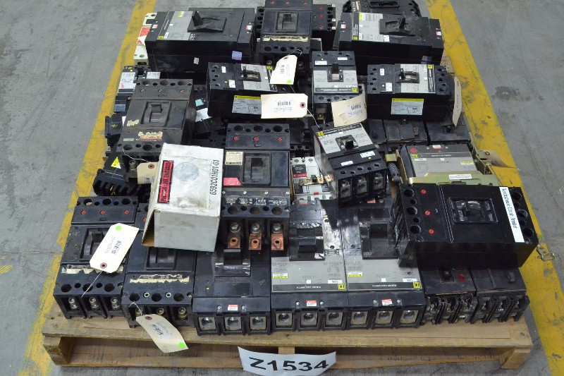 1 PALLET OF ASSORTED CIRCUIT BREAKERS, SQUARE D, GENERAL ELECTRIC, WESTINGHOUSE