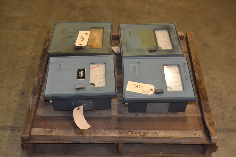 LOT OF 4 FOXBORO 43AP-FA42C PNEUMATIC CONTROLLER