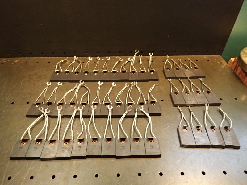 44-Piece Lot of Riveted Multiple Shunt Carbon Motor Brushes 2-1/2\