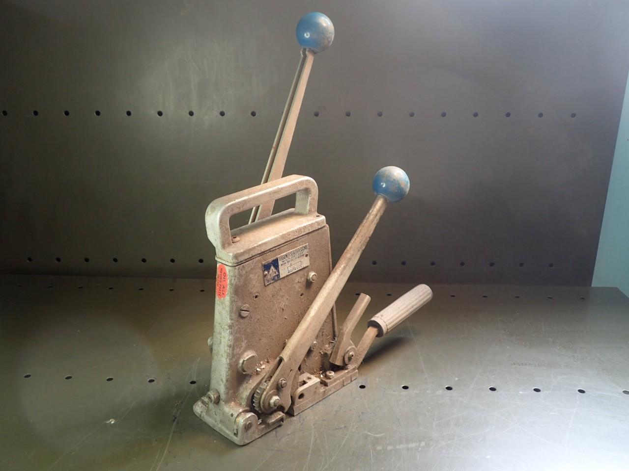 Delta SSCNM Plastic Banding Strapping Tensioner Sealer Crimper 1/2\