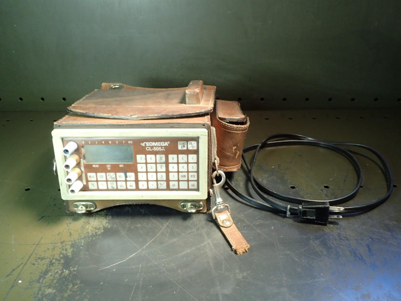 Omega CL-505A Precision Calibrator Thermocouple RTD mA mV Ohm, Used in Good Cond