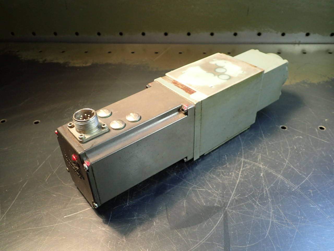 Mannesmann Rexroth STW-0028-060-2-0 24V Solenoid Valve, Used in Good Condition