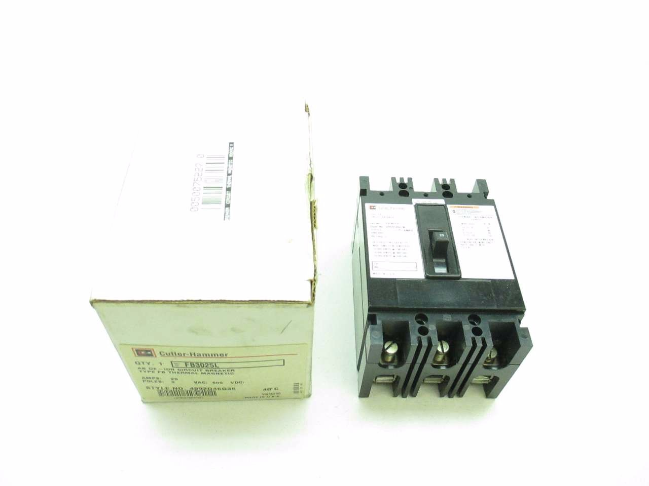 NEW CUTLER HAMMER 25 A CIRCUIT BREAKER