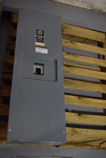 SQUARE D 250A AMP ENCLOSED CIRCUIT BREAKER