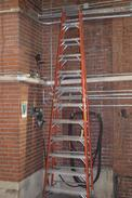 LOUISVILLE HEAVY DUTY 12 STEP LADDER
