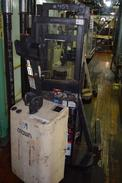 CROWN 20MT 2000 LBS. CAPACITY ELECTRIC PALLET LIFT TRUCK (DELAYED REMOVAL)