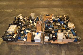 2 PALLETS OF ASSORTED HYDRAULIC VALVES