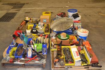 4 PALLETS OF ASSORTED HAND TOOLS AND ACCESSORIES