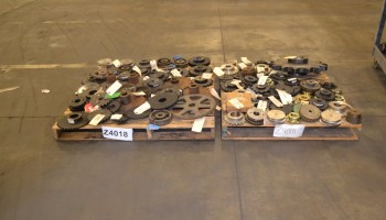 2 PALLETS OF ASSORTED SPROCKETS