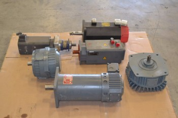 LOT OF 6 ASSORTED SERVO MOTORS