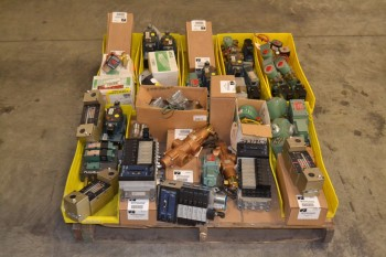 1 PALLET OF ASSORTED SOLENOID VALVES, ASCO, NUMATICS
