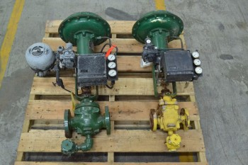 2 FISHER ASSORTED 667-ES 667-ED IRON CONTROL VALVE (BRAMPTON)