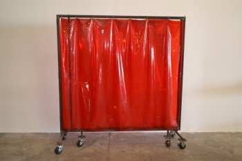 ROLLING TRI-FOLD WELDING CURTAIN, 8FT LONG UNFOLDED