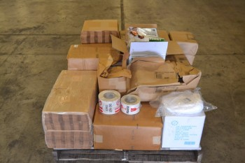 1 PALLET OF ASSORTED SANITARY SUPPLIES