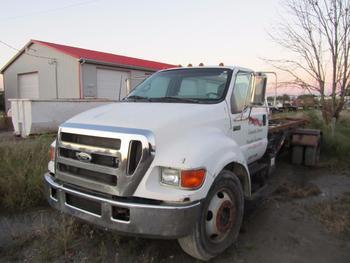2000 4F-650 Roll Off Truck