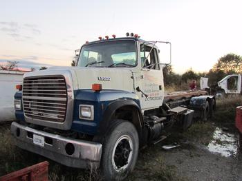 1995 Ford L 9000 Roll Off Truck