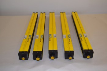LOT OF 5 ASSORTED SICK SAFETY LIGHT CURTAINS