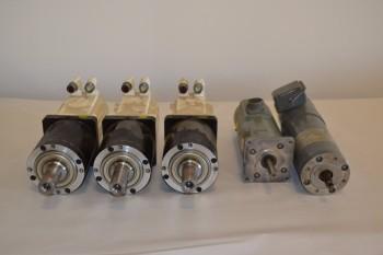 LOT OF 5 ASSORTED SERVO MOTORS