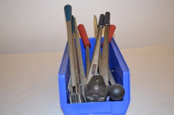 LOT OF ASSORTED CRIMPING TOOLS