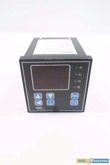 JUMO SRM-96/10-001.00-61.5113.5100 TEMPERATURE CONTROLLER