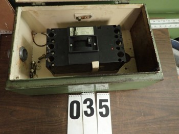 Fuji SA203 3-Pole 125A Circuit Breaker w/ Enclosure