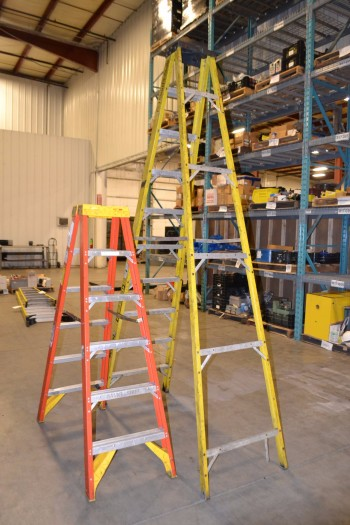 LOT OF 2 ASSORTED A-FRAME LADDERS