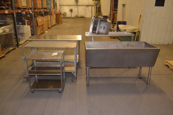 LOT OF ASSORTED STAINLESS STEEL ITEMS