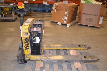 YALE ELECTRIC LIFT TRUCK, MPB040-EN24T2748