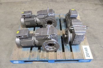 1 PALLET OF GEAR MOTORS 3HP, 460V-AC, 17.87 300-1800RPM