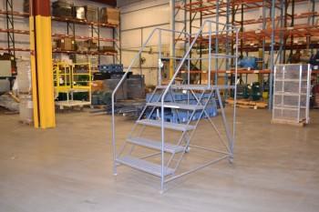 TRI ARC 5-STEP ROLLING LADDER, 800 LB CAPACITY