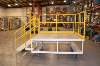 ROLLING CONVEYOR LADDER PLATFORM