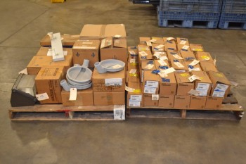 2 PALLETS OF ASSORTED LIGHTING