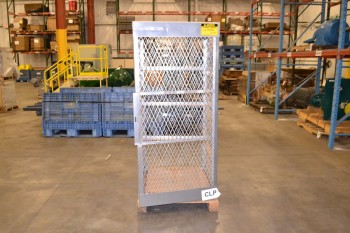 JUSTRITE 23006 5-10 CYLINDER VERTICAL STORAGE LOCKER