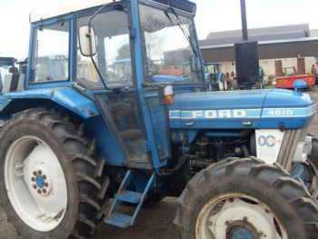 FORD 1989 TRACTOR 4610