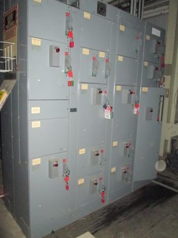 Allen Bradley Bulletin 2100 600 Volt 3Ph 800 Amp Control Center W/Starters