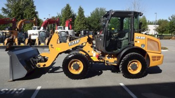 2015 CASE 121F COMPACT WHEEL LOADER