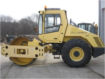 2004 BOMAG BW213PDH-3 COMPACTOR