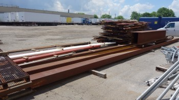 LOT OF ASSORTED STEEL I-BEAMS AND PLATES, 4X I-BEAMS, 2X PLATES