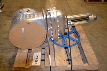 VELAN 12 IN WEDGE GATE VALVE
