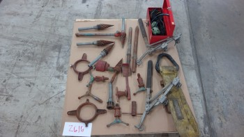 1 PALLET OF ASSORTED HAND TOOLS, RIDGID REAMERS, CLAMPS, SLING