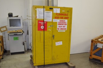 WILLIAMS 4995C FLAMMABLE SAFETY CABINET 40 X 62 X 15 IN