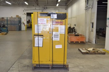 WILLIAMS FLAMMABLE SAFETY CABINET 40 X 62 X 15 IN