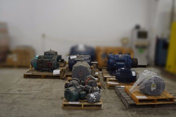 8 PALLETS OF ASSORTED AC MOTORS 575V-AC, 1-200HP, BALDOR, GE
