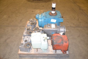 1 PALLET OF ASSORTED GEARBOXES 38.45:1, 104:.93:1