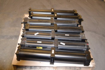 LOT OF 7 PARKER CDD2AUV14A PNEUMATIC CYLINDERS
